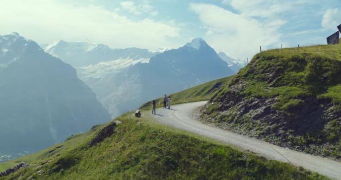 『愛の不時着』ロケ地のスイス、ユングフラウのフィルスト