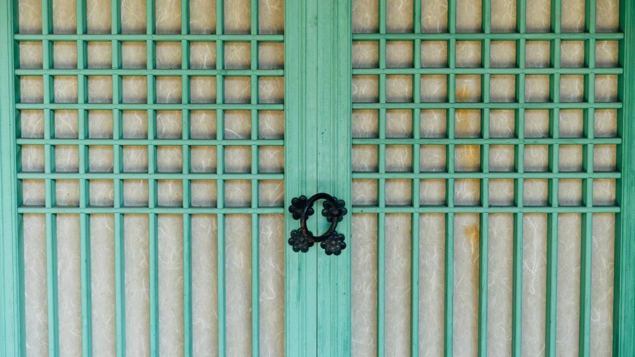 韓国のお城の扉